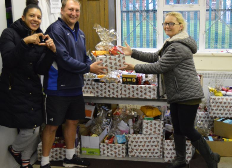Coulsdon students deliver 1000 miracles for Christmas
